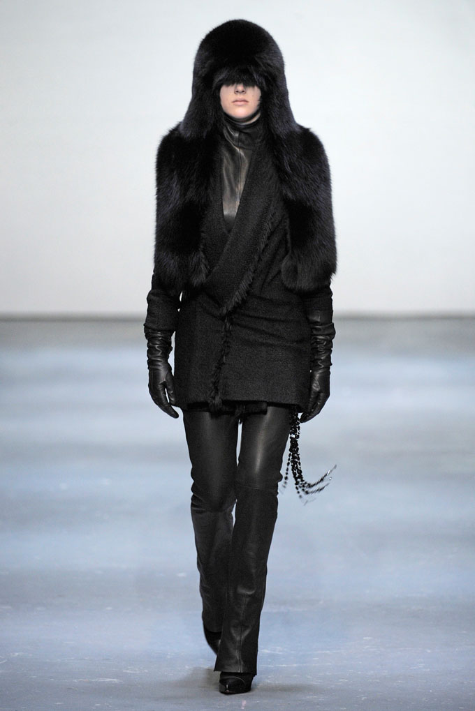 AW 0910 Look2