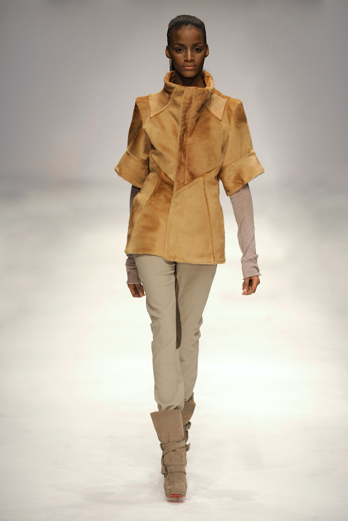 AW 1011 Look5