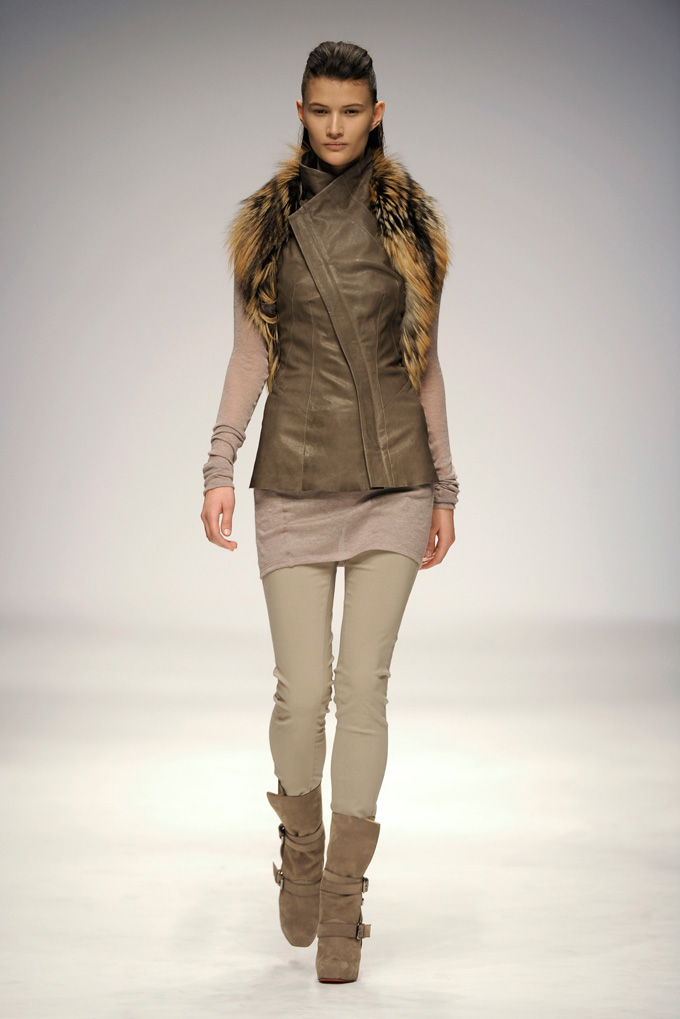 AW 1011 Look6
