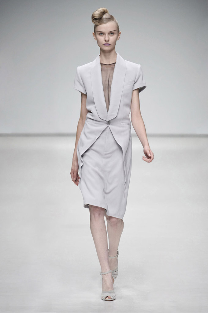 AW 0809 Look2