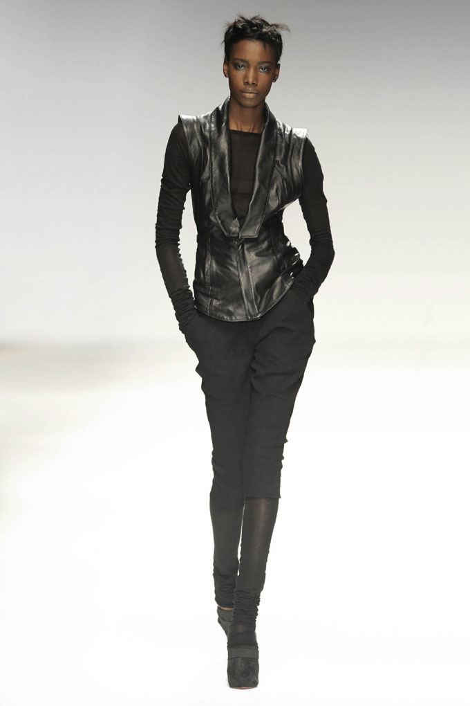 AW 0809 Look14