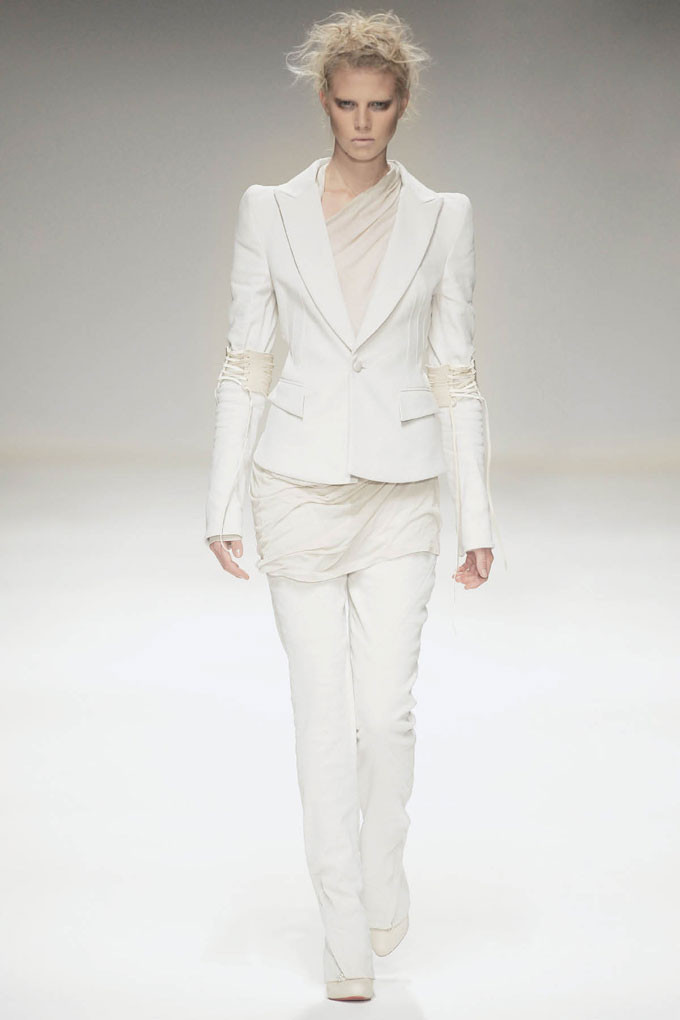 SS10 Look1