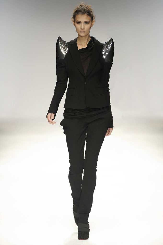 SS10 Look24